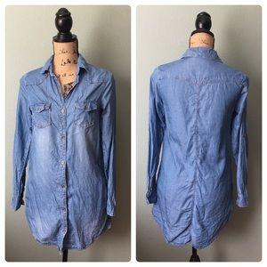 Haute Monde size small denim tunic shirt!